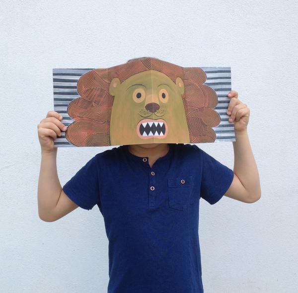 Io ero il leone, da un foglio a una maschera in 4 mosse